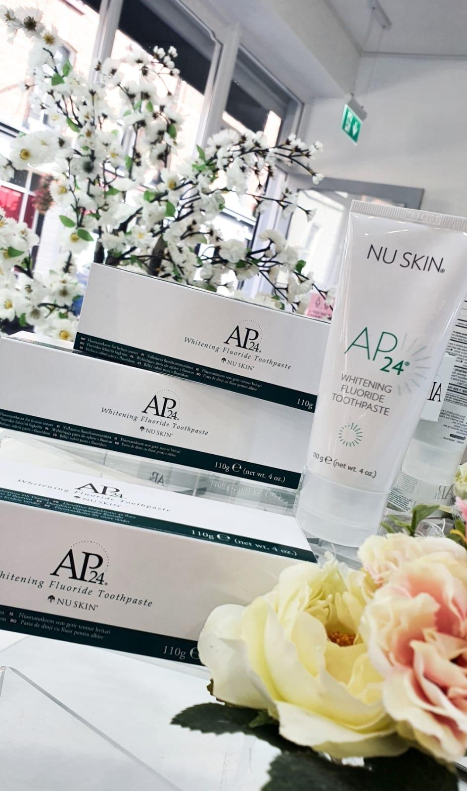 AP 24 Whitening Flouride Toothpaste